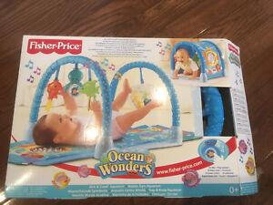 Fisher-Price Ocean Wonders Kick & Crawl play mat