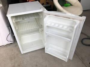 Bar Fridge / Freezer / Beer / Small / Refrigerator
