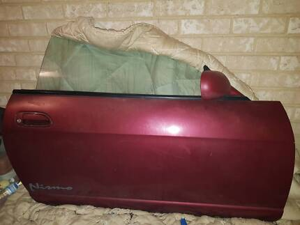 R33 skyline coupe RHS door & window with side mirror Cannington Canning Area Preview