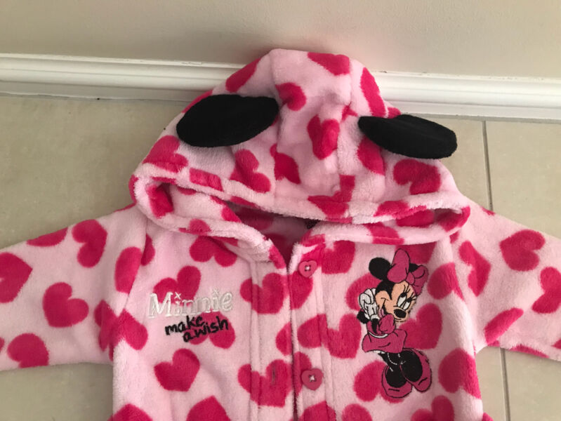 Sz 1. Minnie Mouse Dressing Gown | Kids Clothing | Gumtree Australia ...