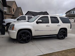 2010 GMC Yukon Denali     REDUCED