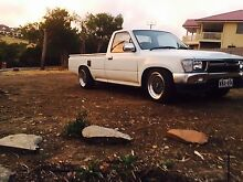 1994 Hilux mini truck reliable car selling due to upgrade Belair Mitcham Area Preview