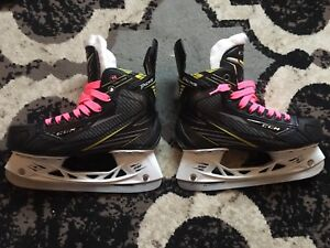 CCM Tacks Vector Jr skates size US 5.5