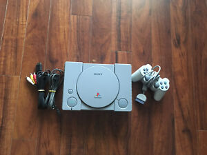 PlayStation 1 with one controller