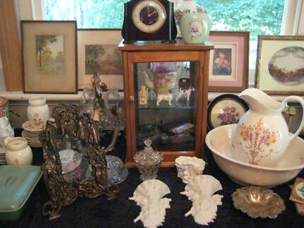 Garage Sale - Antiques, vintage and collectibles