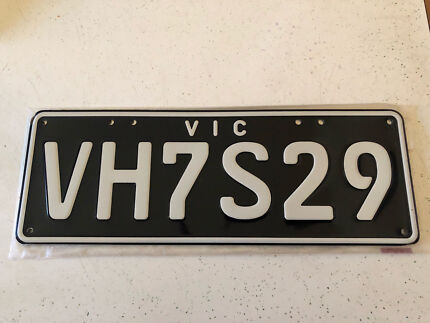 VH CHARGER RT/E49 PLATES