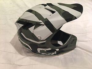 Fox V3 - Creo Camo Helmet Size M Randwick Eastern Suburbs Preview