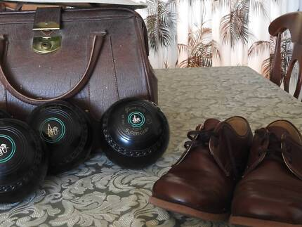 Men's bowls and accessories.