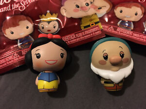 Pint Size Heroes Disney Snow White and the Seven Dwarfs