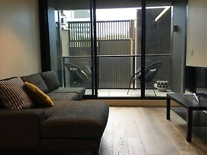 LEASE TRANSFER 2 BED 2 BATH 1 CAR SPACE CLAREMONT MANOR South Yarra Stonnington Area Preview