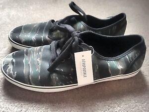 Aeropostale Men's Shoes size 10 brand new