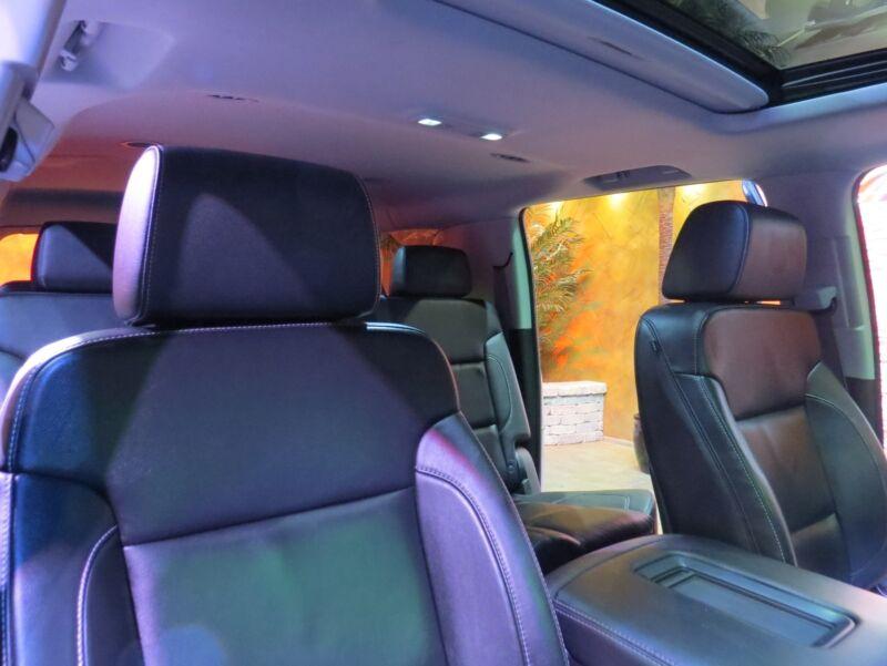 Image 12 Voiture Américaine d'occasion Chevrolet Suburban 2015