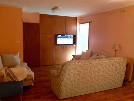COUPLEs Self-contained room incl. ALL BILLS and INTERNET