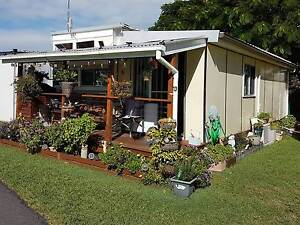 30 ft Renovated 1970 Viscount Clontarf Redcliffe Area Preview
