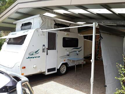 12 Foot 2006 Jayco Expander Pop Top