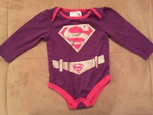 Cache-couche supergirl