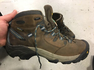 Keen CSA safety shoes