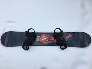 Kelowna - Snowboard (Atomic) and bindings (Burton)