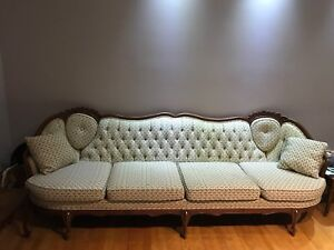 Vintage sofa couch canape victorian