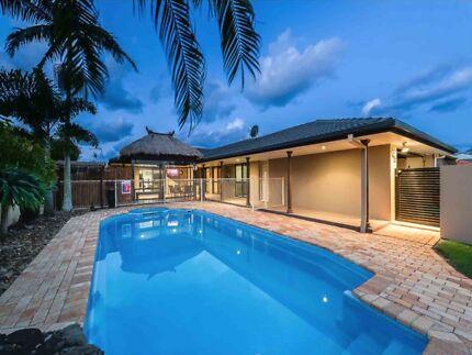 Holiday House   Gold Coast Sleeps 14   Pool   Games Room