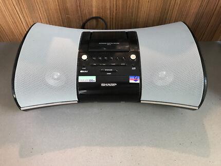 Clock radio dock stereo