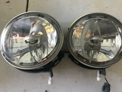 FORD BA BF XR6 XR8 GENUINE FOG LIGHTS. ALSO SUIT TERRITORY