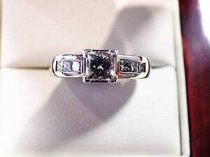 18CT WHITE GOLD HANDCRAFTED SOLITAIRE RING Flemington Melbourne City Preview