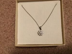 Charm Diamonds Necklace