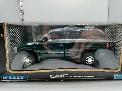 Welly 2001 GMC Yukon Denali 1:18 scale Diecast model SUV Green in the box
