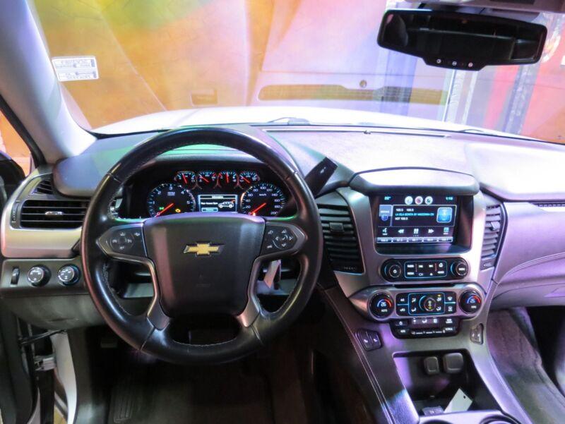 Image 17 Voiture Américaine d'occasion Chevrolet Suburban 2015