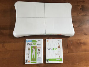 1 Nintendo Wii fit board and 2 games. $20 the set