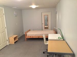 Female student room available (UVIC and Camosun Lansdowne)