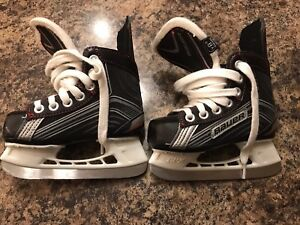 Hockey skates youth size 8