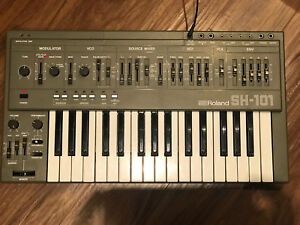 Roland SH-101 analog synthesizer