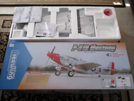 Remote control plane RC Model Freewing P-51D Mustang Spektrum