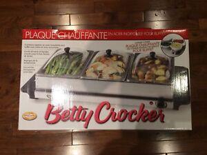 Plaque chauffante en acier inoxydable pour buffet, neuve. 45$