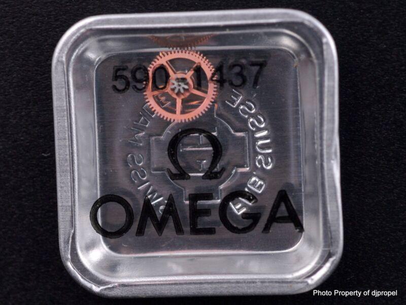 ORIGINAL OMEGA Drive Gear for Ratchet Wheel  Part #1437  Cal. 590!