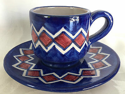 CHARMING VINCENZO PINTO VIETRI ITALY BLUE RED CHEVRON DEMITASSE CUP & SAUCER