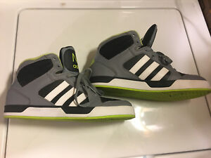 Men's Adidas hightop sneakers size 9.5