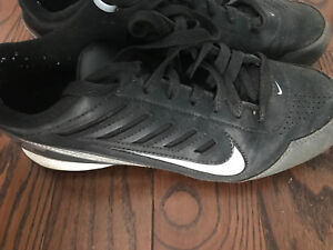 Football cleats size 6