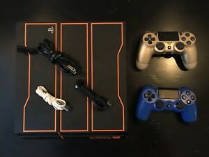 PlayStation 4 (Black Ops Edition) + 2 DualShock controllers
