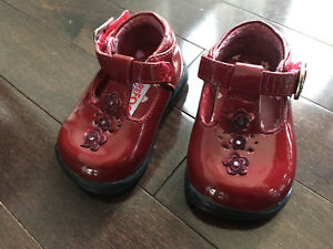 "Barefoot Walking ""Leena"" Infant Girl Shoe - Size 1 & 2 available"