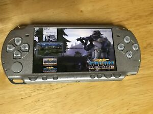 PSP 2000 Modded + Games + Memory stick + Download free games