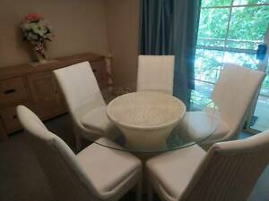 5 piece dining setting, excellent condition