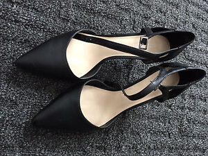 Nine West genuine leather heels- size 8
