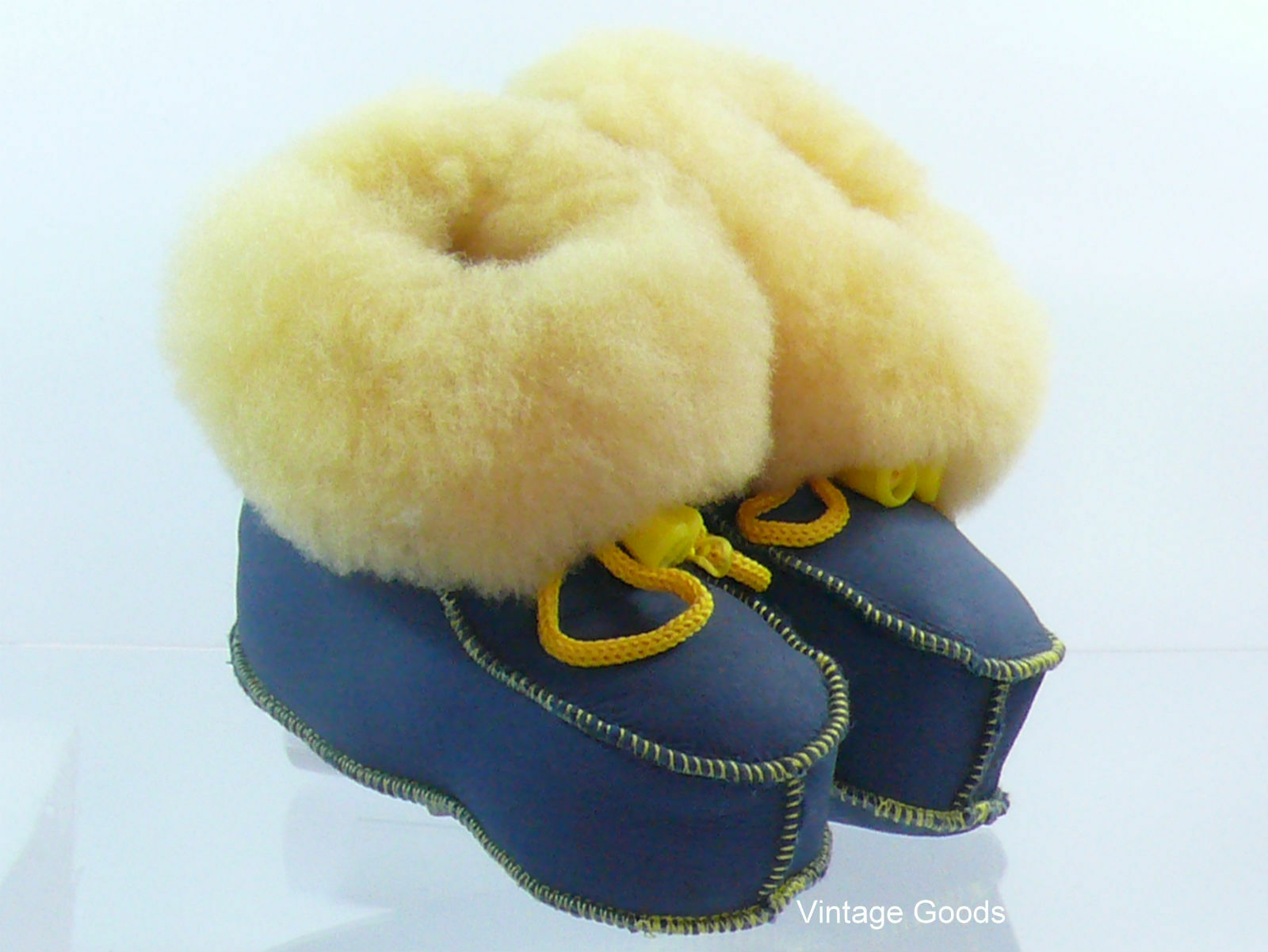 SHEEPSKIN SLIPPERS/BOOTS FOR BABY 100% GENUINE LEATHER UNISEX SIZE  5/6 1