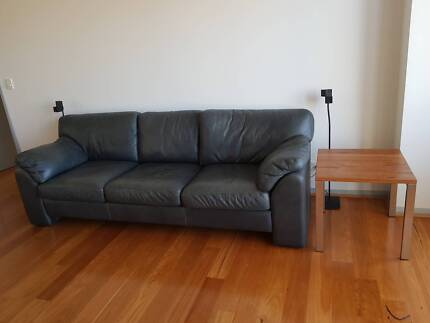 2 x Leather Sofas (2.5 & 3.5 seaters) and Ottoman