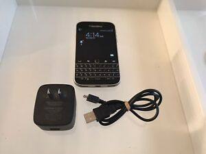 2 Blackberry Classic phones+accessories. Like new and unlocked