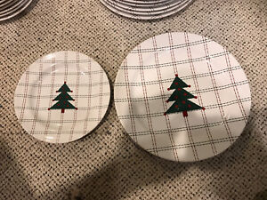 Christmas Plates and table cloth