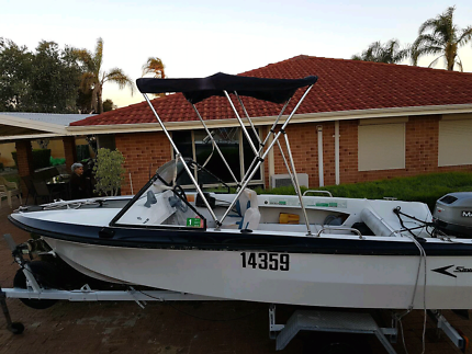 4.2m fibreglass runabout boat